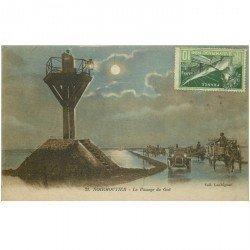 carte postale ancienne 85 ILE DE NOIRMOUTIER. Le Passage du Goi attelages et voiture 1924