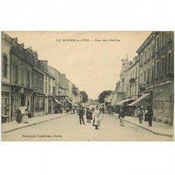 carte postale ancienne 85 LA ROCHE SUR YON. Rue des Sables avec Magasin de cartes postales vers 1919