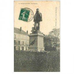 carte postale ancienne 85 LA ROCHE SUR YON. Statue Paul Baudry 1912 détachée d'un support