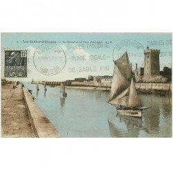 carte postale ancienne 85 LES SABLES D'OLONNE. Chenal et Tour Arundel 1931 arrivée Barques de Pêcheurs