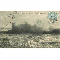 carte postale ancienne 85 LES SABLES D'OLONNE. Coup de Mer Brise de la Chaume 1904