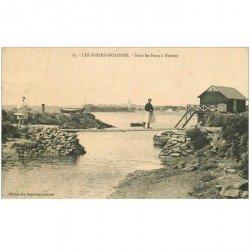 carte postale ancienne 85 LES SABLES D'OLONNE. Dans les Parcs à Huitres. Métiers de la Mer