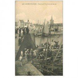 carte postale ancienne 85 LES SABLES D'OLONNE. Départ pour la Promenade en Mer