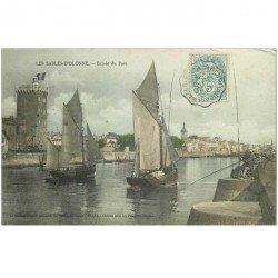 carte postale ancienne 85 LES SABLES D'OLONNE. Entrée des Thonniers dans le Port 1905. Métiers de la Mer