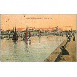 carte postale ancienne 85 LES SABLES D'OLONNE. Entrée du Port 1921