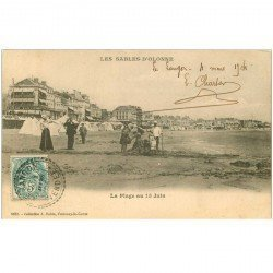 carte postale ancienne 85 LES SABLES D'OLONNE. La Plage au 15 Juin 1904