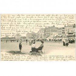 carte postale ancienne 85 LES SABLES D'OLONNE. La Plage avec Femmes assises 1905