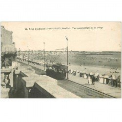 carte postale ancienne 85 LES SABLES D'OLONNE. La Plage avec Tramway électrique