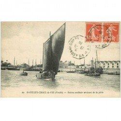carte postale ancienne 85 SAINT GILLES CROIX DE VIE. Bateaux Sardiniers arrivant de la Pêche 1920. Pêcheurs et Sardines