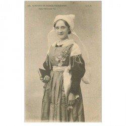 carte postale ancienne 85 SAINT GILLES SUR VIE. Costume de Mariée Vendéenne