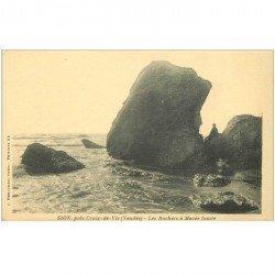 carte postale ancienne 85 SION. Les Rochers à Marée haute petite animation