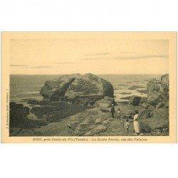 carte postale ancienne 85 SION. Les Rochers la Roche Percée petite animation