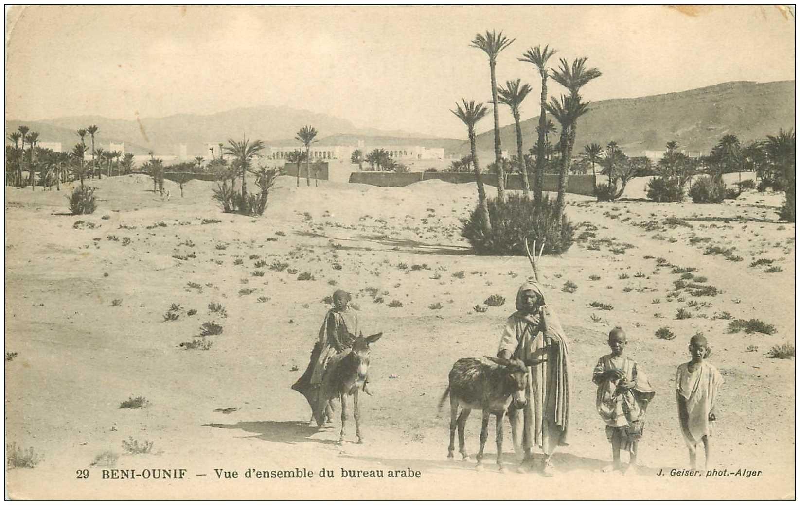 carte postale ancienne Algérie. BENI OUNIF. Vue du Bureau arabe avec nes