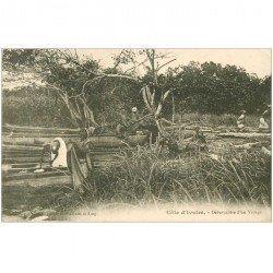 carte postale ancienne COTE D'IVOIRE. Débarcadère d'un Village animé