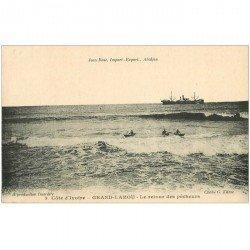 carte postale ancienne COTE D'IVOIRE. Grand Lahou. Le Retour des Pêcheurs
