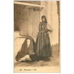 carte postale ancienne EGYPTE. Femmes Mauresques une voilée