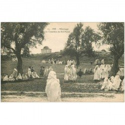 carte postale ancienne Maroc. FEZ. Pélerinage au Cimetière de Bab ftouh