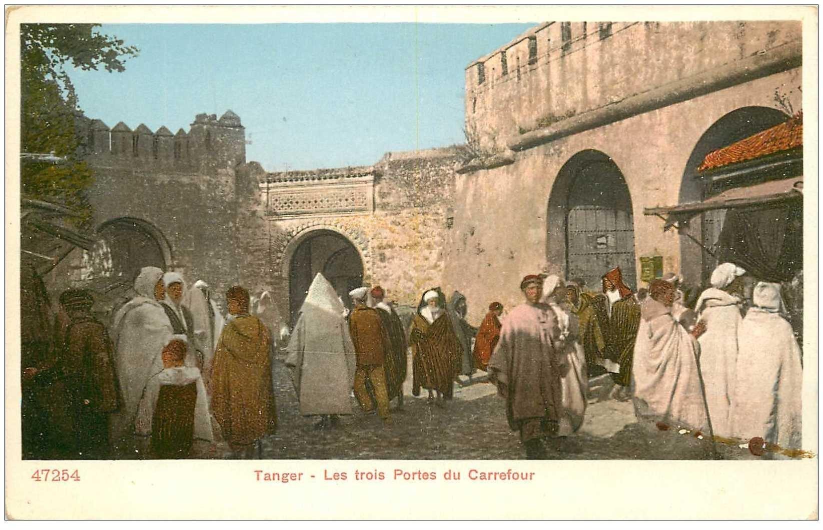 carte postale ancienne MAROC. Tanger. Les Trois Portes du Carrefour vers 1900
