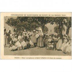 carte postale ancienne ANGOLA. La leçon de couture pour Soeurs européenne et indigène