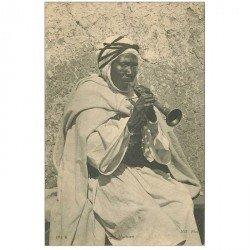 carte postale ancienne TUNISIE. Négro Musicien