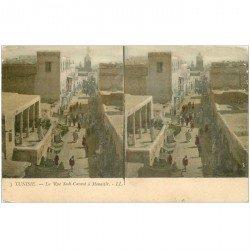 carte postale ancienne TUNISIE. Rue Sadi Carnot à Monastir. Double vue stéréoscopique