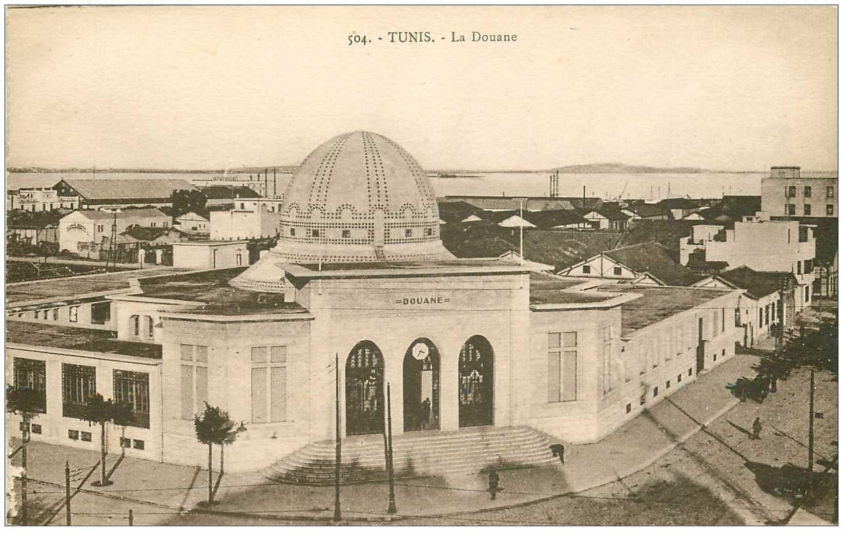 carte postale ancienne Tunisie. TUNIS. La Douane