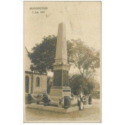 carte postale ancienne 02 MONDREPUIS. Monument aux Morts