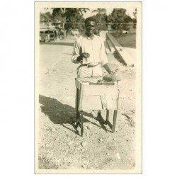 carte postale ancienne ANTILLES. Haïti. Selling candies. Vendeur Ambulant de confiserie. photo carte postale
