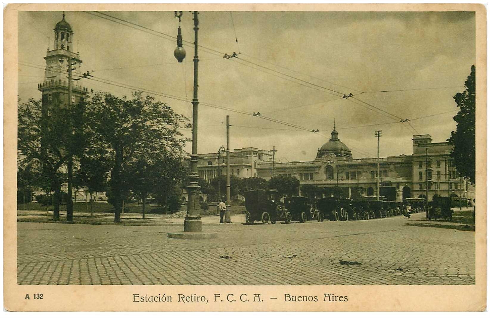 carte postale ancienne ARGENTINA. Buenos Aires. Estacion Retiro avec Taxis