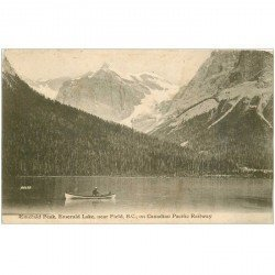 carte postale ancienne CANADA. Emerrald Peak Lake near Fielb B.C. on Canadian Pacific Railway