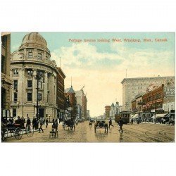 carte postale ancienne CANADA. Portage Avenue looking West Winnipeg 1913