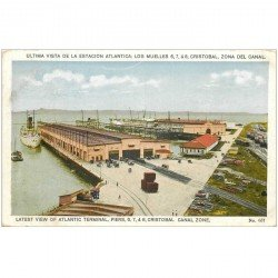 carte postale ancienne PANAMA CANAL. Lastet view of Atlantic Terminal Piers Cristobal