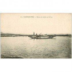 carte postale ancienne CHINE. Yunnan Fou. Barque de Pêche sur le Lac