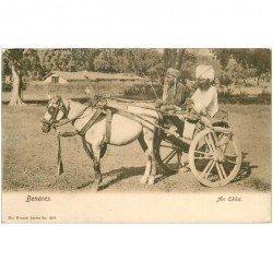 carte postale ancienne INDE. Benares. An Ekka Attelage Cheval vers 1900