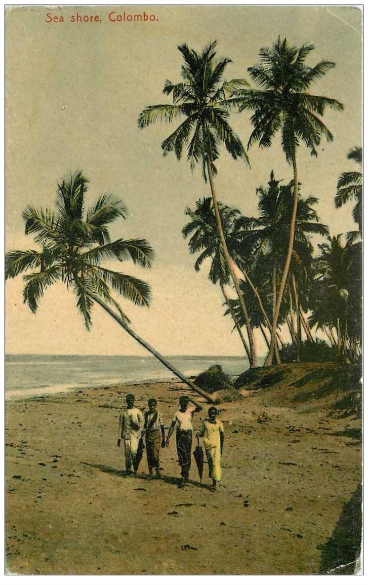 carte postale ancienne INDE. Colombo. Sea Shore. Minuscule pli coin droit inférieur...