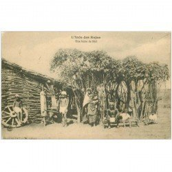 carte postale ancienne INDE. Des Rajas une Hutte de Bhil 1915