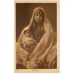 carte postale ancienne Liban Syrie. BEYROUTH. Superbe Bédouine et son enfant 1923