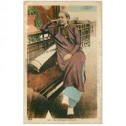 carte postale ancienne VIET NAM. Annam une Musicienne Annamite