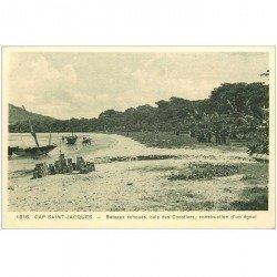 carte postale ancienne VIET NAM. Cap Saint Jacques. Construction d'un égout et Bateaux échoués Baie des Cocotiers