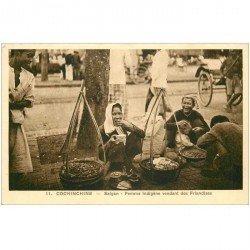 carte postale ancienne VIET NAM. Cochinchine Saïgon femme indigène vendant des friandises
