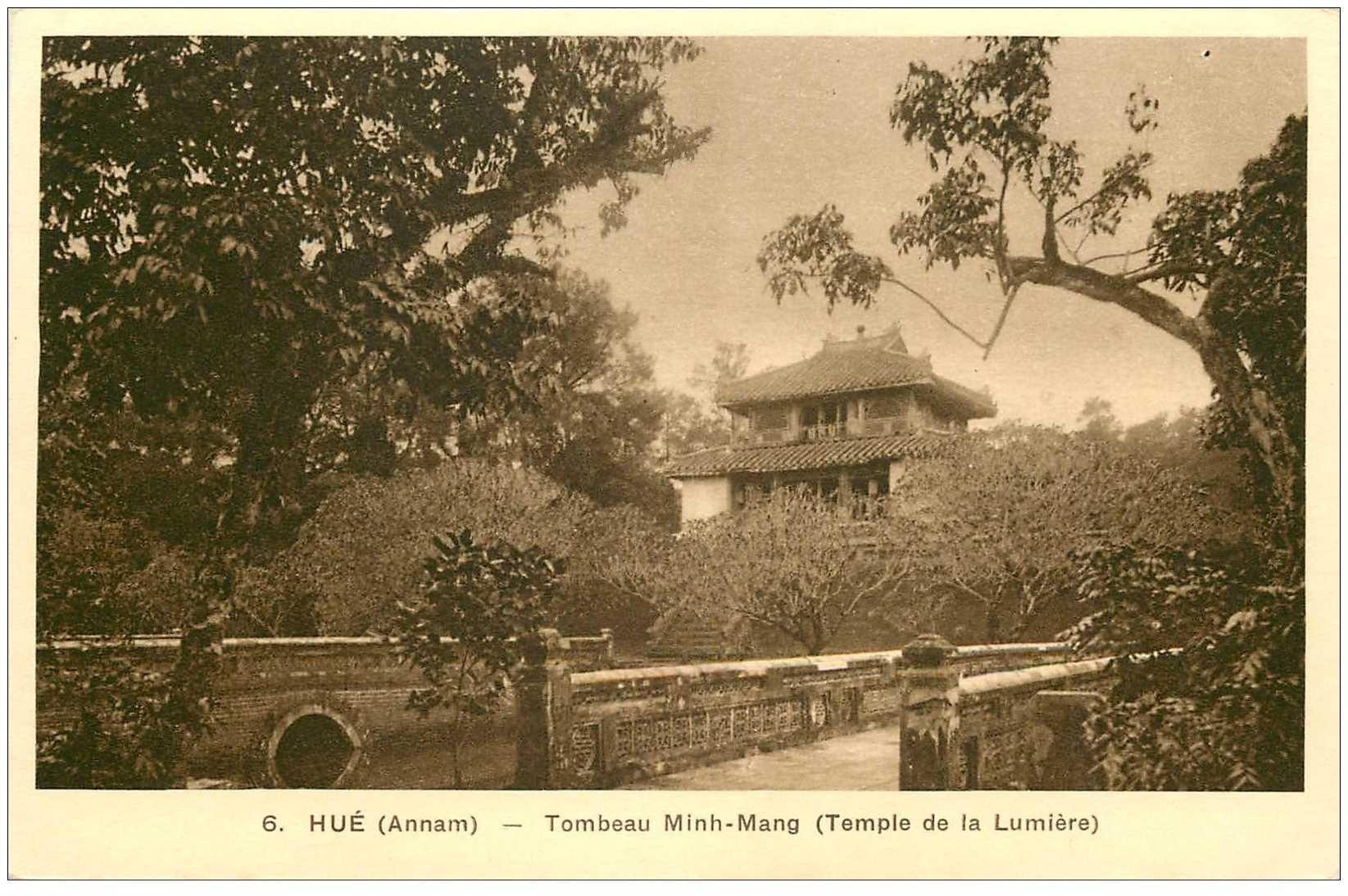 carte postale ancienne VIET-NAM. Hué Annam. Tombeau Minh Mang Temple de la Lumière