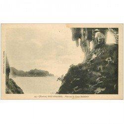 carte postale ancienne Viêt-Nam. TONKIN. Baie Along Passe Henriette avec personnage 1925