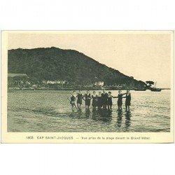 carte postale ancienne Viêt-Nam.. CAP SAINT JACQUES. Baigneurs Plage devant Grand Hôtel