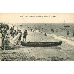 carte postale ancienne 14 DEAUVILLE. La Plage Jeux et Châteaux de sable 1926