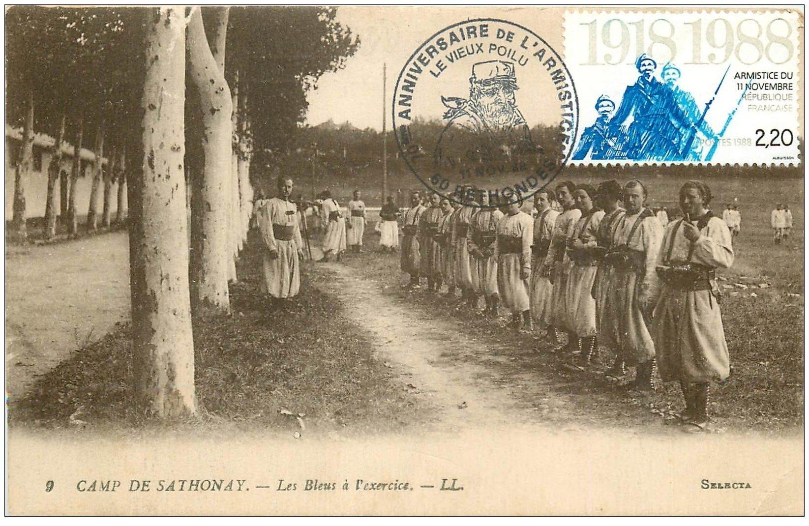 carte postale ancienne 01 Camp de Sathonay. Les Bleus à l'exercice