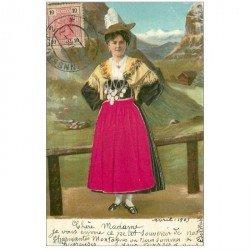 carte postale ancienne AUTRICHE OSTERREICH. Femme costume traditionnel avec véritable velour et gauffrée 1905