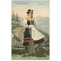 carte postale ancienne AUTRICHE OSTERREICH. Tiroler Trachten Zillertal. Femme guitariste