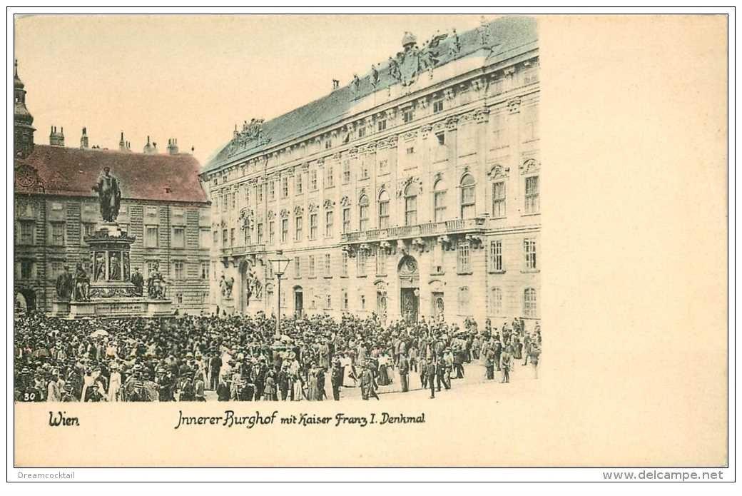 carte postale ancienne WIEN VIENNE. Innerer Burghof mit Kaiser Franz I. Denkmal
