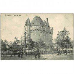 carte postale ancienne BRUXELLES. Porte de Hal écoliers