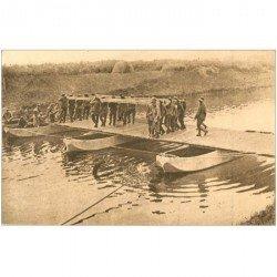 carte postale ancienne GUERRE 1914-18. Pontage placement dernière travée